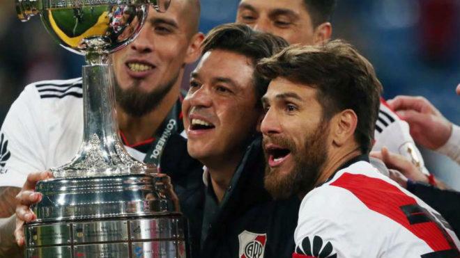 Ponzio, con experiencia en el fútbol español, ve al técnico en el...
