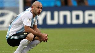 Mascherano, durante un partido con Argentina.