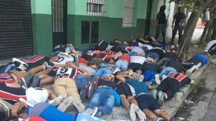 Hinchas de Chacarita detenidos.