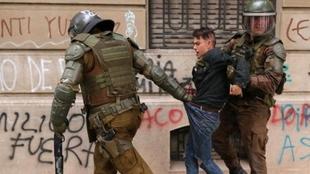 Continúan las detenciones de Carabineros en el marco de las protestas...