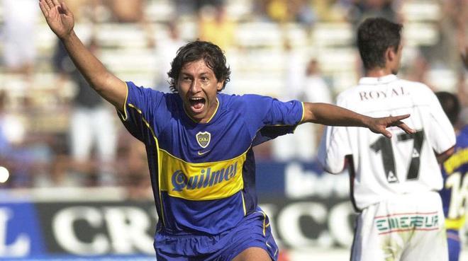 Bermúdez festeja un gol en su etapa en Boca.