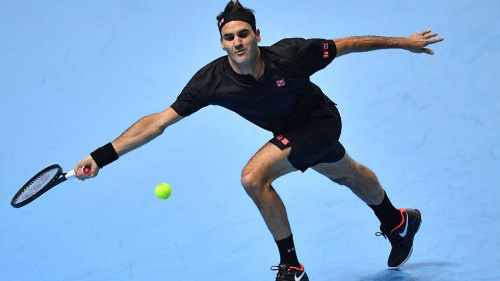 Federer ganó 6-4 y 6-3