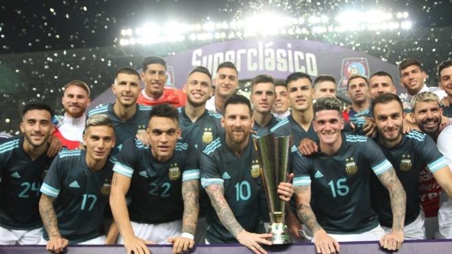 Scaloni mete mano y piensa en cambios para enfrentar a Uruguay