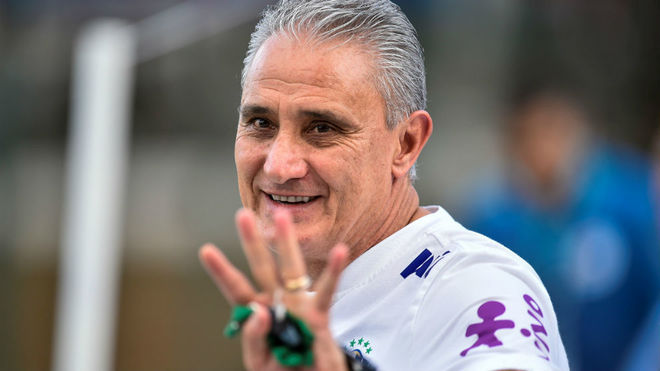 Tite le contestó a Messi.