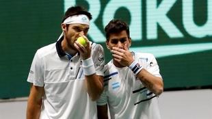 El dobles de Argentina cae en una jornada negra ante Alemania