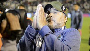 Diego Maradona se queda en Gimnasia