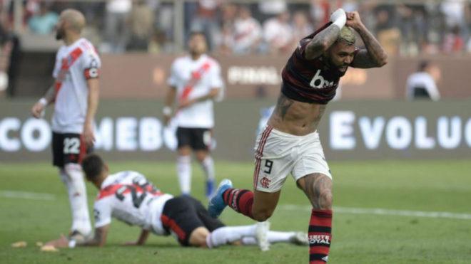 Gabigol grita su segundo gol, el que le dio el título al Flamengo