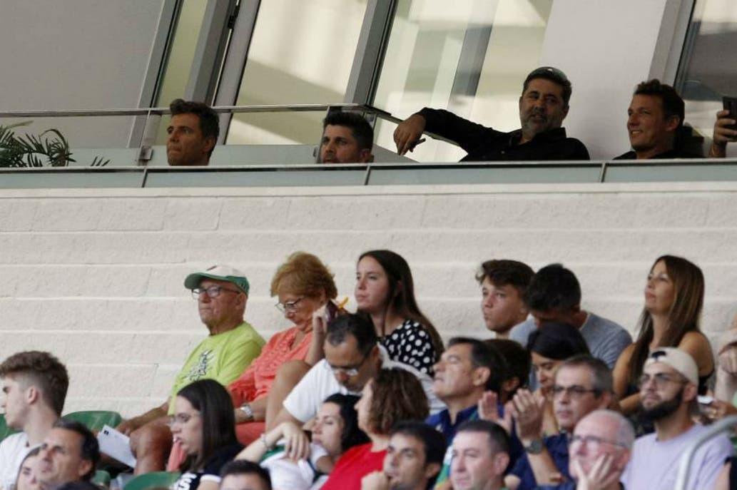 Bragarnik y Angelici, juntos en el estadio del Elche en septiembre...
