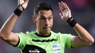 Facundo Tello, el árbitro de la final de Copa Argentina entre River y...