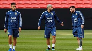 Lautaro, Agüero y Messi, el tridente argentino que quiere Scaloni en...