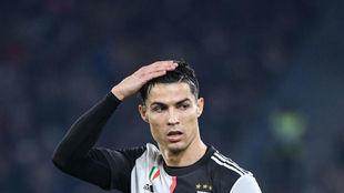 Cristiano Ronaldo se lamenta durante el partido.