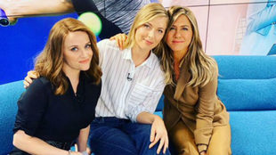 Sharapova, con Reese Whiterspoon y Jennifer Aniston.