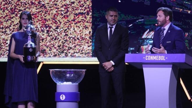 Riquelme recibió un reconocimiento de Conmebol