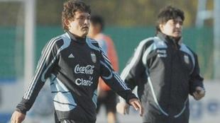 El Pulga Rodríguez y Diego Maradona en la Selección Argentina