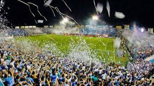 El José Fierro se prepara para otra noche de Libertadores.