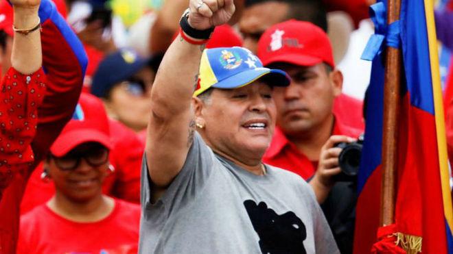 Diego Armando Maradona con la gorra de Venezuela.