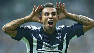 Cardona festeja un gol con el Monterrey.