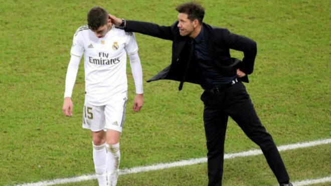 El saludo de Simeone a Valverde