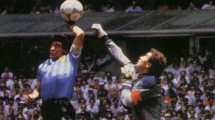 Diego Maradona y la Mano de Dios.