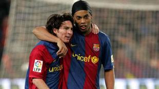"""Ronaldinho: """"Messi lo tiene todo, no necesita nada mío"""""""