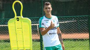 Juan Dinenno durante una práctica del Deportivo Cali.