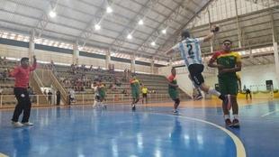 Los Gladiadores aplastaron a Bolivia en un histórico encuentro:...