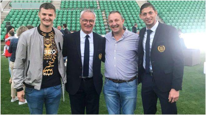 Martín Molteni, a la izquierda, junto a Claudio Ranieri y Emiliano...
