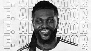 Olimpia hace oficial el fichaje de Emmanuel Adebayor