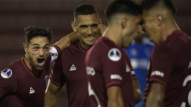 Lanús golea y comienza con el pie derecho en la Sudamericana