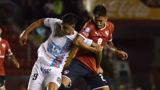 Independiente vs Arsenal: Independiente sobrevive en un partido con clima caliente | MARCA Claro Argentina