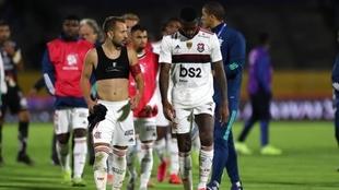 La efectividad del Flamengo lo salva ante un atrevido Independiente...