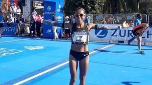 Marcela Gómez alcanza el récord nacional de Maratón y logra el...