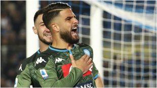 Insigne festeja un gol con el Napoli.