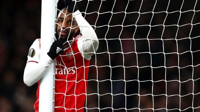 El Olympiacos echa al Arsenal en la prórroga tras un fallo increíble de Aubameyang
