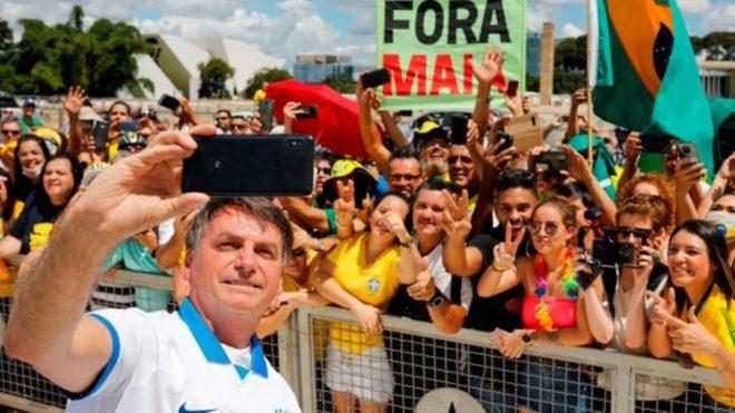 Jair Bolsonaro, en contra de la suspensión del fútbol en Brasil