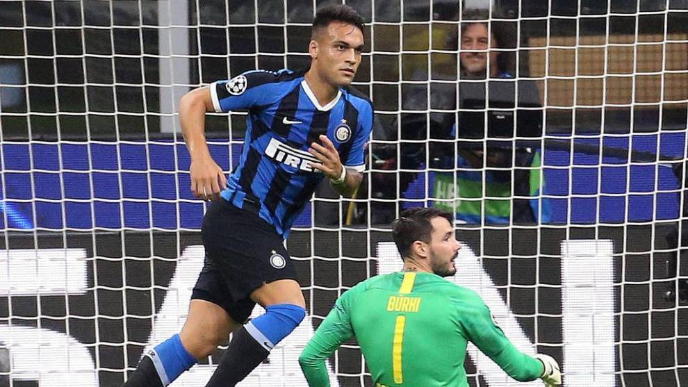 Lautaro Martínez celebra un gol con el Inter.