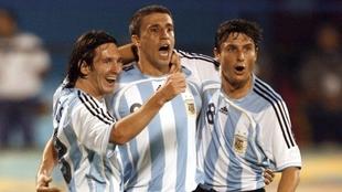 Hernán Crespo junto a Lionel Messi