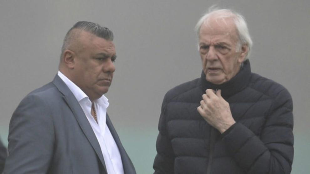 César Luis Menotti junto a Claudio Tapia.