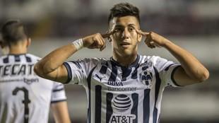 Maxi Meza celebra un gol.