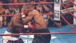 Mike Tyson descarta a Evander Holyfield como su rival en su vuelta al...