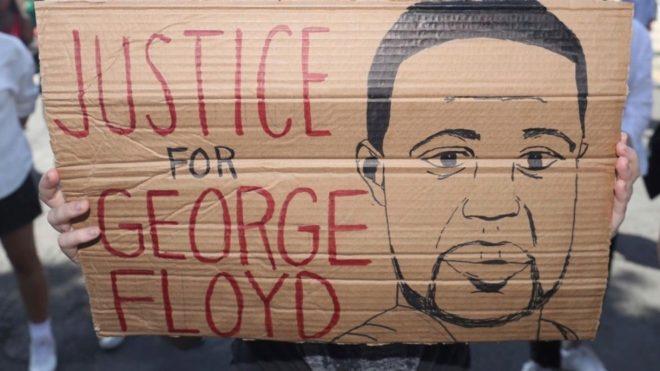 Fiscalía acusa a todos los policías implicados en muerte de George Floyd