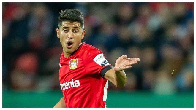 Palacios hace un gesto durante un partido del Leverkusen.