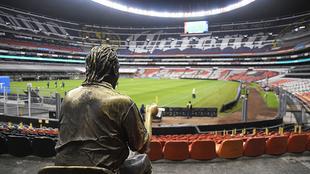 Imagen del estadio Azteca sin aficionados en las gradas