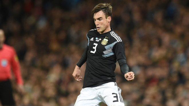 Nicolás Tagliafico jugando con la Selección Argentina