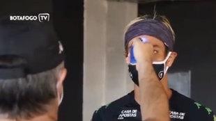 Control de temperatura antes del entrenamiento del Botafogo