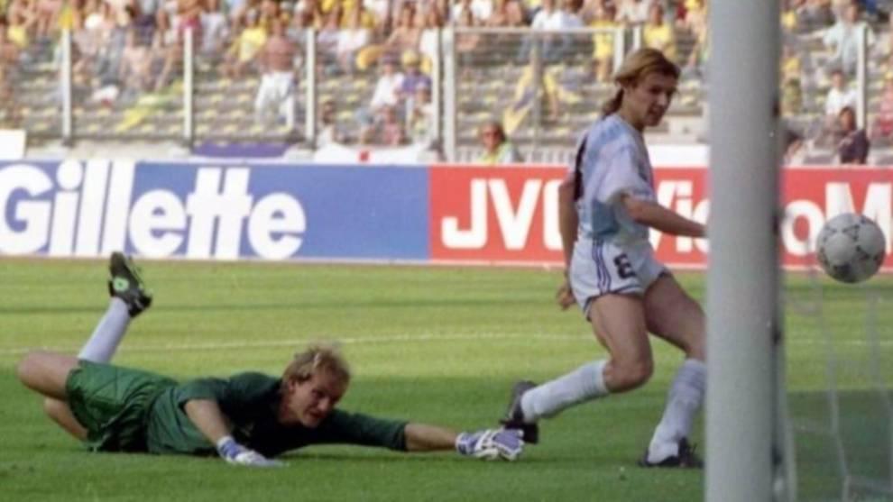 Caniggia supera a Taffarel para dar la victoria a Argentina ante...