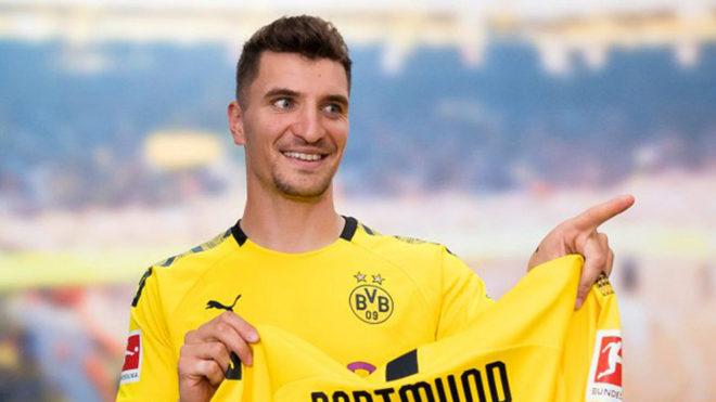 Borussia Dortmund anunció el fichaje de Thomas Meunier proveniente del PSG
