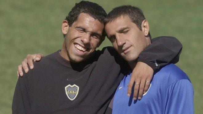 Carlos Tevez y Raúl Cascini en Boca.