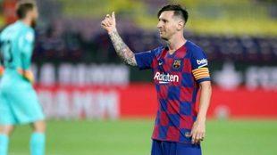 Leo Messi festeja un gol en Barcelona