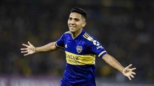 Bebelo Reynoso festeja un gol en Boca.